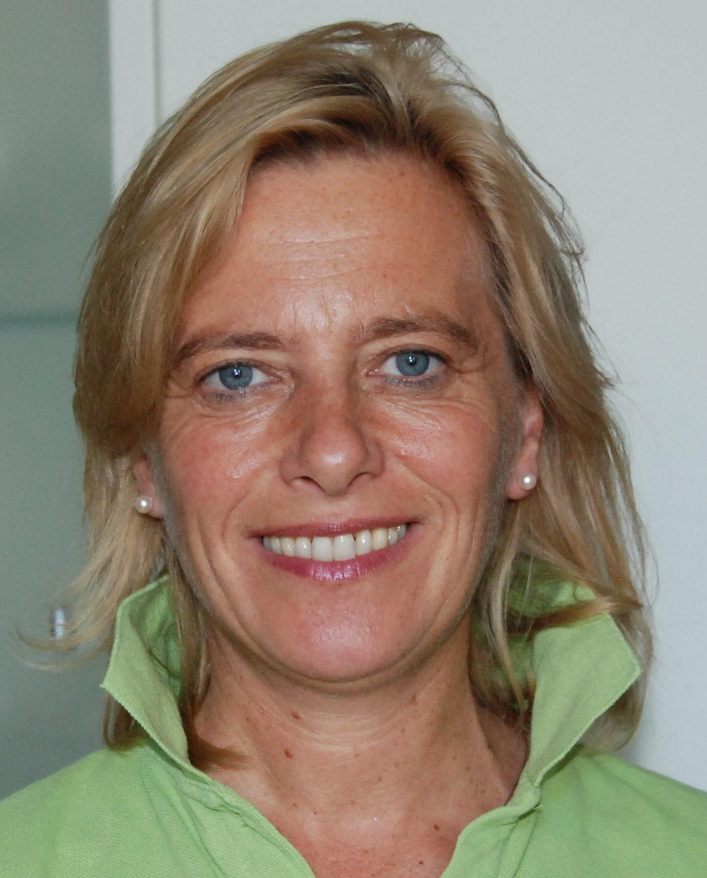 Dr.med. Simona Mangold